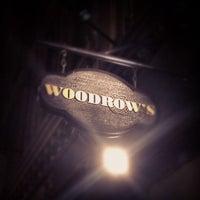 Das Foto wurde bei Woodrow's von Yaw E. am 3/31/2012 aufgenommen