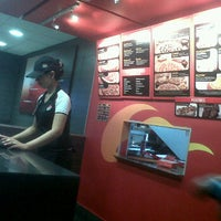 Photo taken at Pizza Hut by Karina J. on 4/7/2012