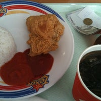 Photo taken at Texas Chicken by Hana N. on 5/27/2012