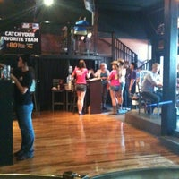 Photo taken at Gusano's Chicago Style Pizzeria & Sports Bar by C note G on 6/2/2012