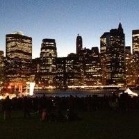Foto tomada en Celebrate Brooklyn - Pier 1 por Farrah el 5/11/2012