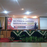 Photo taken at Universitas Muhammadiyah Sidoarjo by Ema Septiana on 6/17/2012