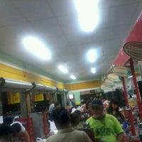 Foto tirada no(a) Supermercado Econômico por Marcvin C. em 4/27/2012