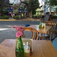 Photo prise au Caffé Toscano par Korkuss le3/20/2012
