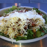 Photo taken at Chipotle Mexican Grill by Oliver S. on 9/13/2012