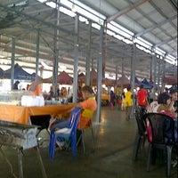 Photo taken at Pasar Tani by HajiDonEddie A. on 2/19/2012