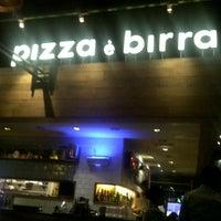 Photo taken at Pizza é Birra by Diana K. on 8/30/2012