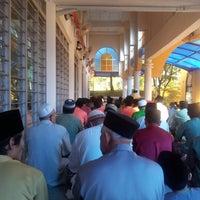 Photo taken at Masjid Al-Muttaqin Wangsa Melawati by al f. on 8/19/2012