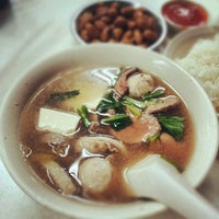 Photo taken at Cheng Mun Chee Kee Pig Organ Soup by Alvin L. on 8/17/2012