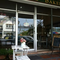 Photo taken at P. HOUSE Bakery by ⓚⓔⓐⓝⓖ . on 9/5/2012