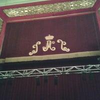 Photo taken at Teatro Nuevo Apolo by KiKE B. on 9/2/2012