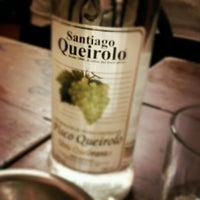 Foto tomada en Queirolo Restaurant & Bar por Jd el 5/26/2012