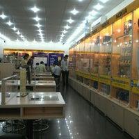 Photo taken at Cafe F1 by Lê B. on 5/28/2012