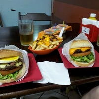 Photo taken at Willy's Authentic Burger by Thiagão M. on 8/5/2012