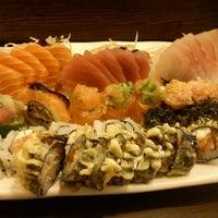 Foto tirada no(a) Kanzen Sushi e Temakeria por Luiz E. em 7/18/2012