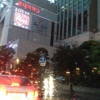 Photo taken at Lotte Hotel Busan by Wonho E. on 6/15/2012