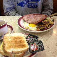 Photo taken at Tastee Diner by John A. on 5/7/2012