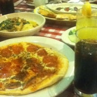 Photo taken at Italianni's Pasta, Pizza & Vino by Ceci D. on 9/1/2012
