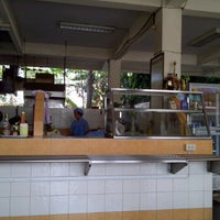 Photo taken at ร้านอาหารสโมสรการไฟฟ้า by ƿ ە ە ™ . on 2/28/2012