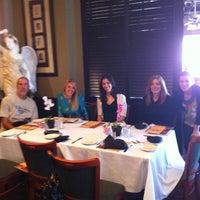 Photo prise au Luigino's par Megan V. le4/25/2012