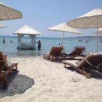 Das Foto wurde bei Alaçatı Beach Resort von Gül G. am 7/26/2012 aufgenommen