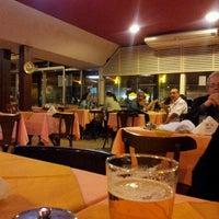 Foto tomada en Restaurante Toca da Traíra por Constantino M. el 6/23/2012