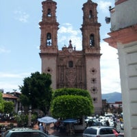 Photo taken at Centro Joyero Taxco by Tania S. on 8/4/2012