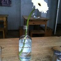 Das Foto wurde bei Café Maria von Hajo D. am 5/22/2012 aufgenommen