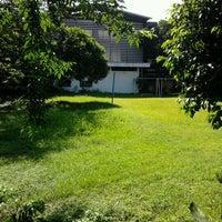 Photo taken at Es Pisang Ijo & Palu Butung Makasar by Verie S. on 2/17/2012