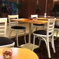 Photo taken at Gallery Brasserie - Redtop Hotel by Mama Ina on 4/30/2012