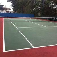 Photo taken at Tenis - Quadra do Robson by Ivan B. on 6/13/2012