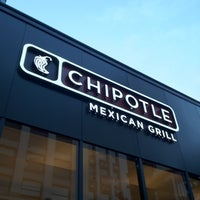 Photo taken at Chipotle Mexican Grill by YK N. on 7/17/2012