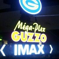 Foto tirada no(a) Méga-Plex Guzzo Marché Central 18 por Patrick C. em 7/26/2012