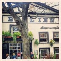 Снимок сделан в The Bell Inn пользователем Eugenio T. 4/23/2012