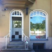 Photo taken at Salon Maximimian by Ulrich L. on 8/18/2012