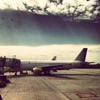 Das Foto wurde bei Terminal 1 von Nils K. am 6/23/2012 aufgenommen
