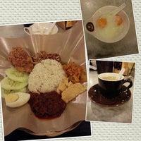 9/7/2012 tarihinde Simon Y.ziyaretçi tarafından OldTown White Coffee'de çekilen fotoğraf