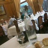 6/25/2012にCarlo P.がAux Armes de Bruxellesで撮った写真