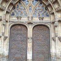 Снимок сделан в Catedral San Salvador de Oviedo пользователем Isa C. 8/14/2012