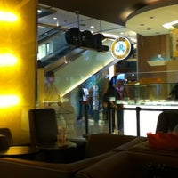 Photo taken at J.Co Donuts & Coffee by Aldi T. on 3/10/2012