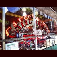 Das Foto wurde bei Caffe Trieste von Ronnie J. am 5/26/2012 aufgenommen