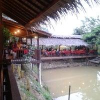 Photo taken at Puncak Mutiara Cafe by Ahmad Erwan S. on 8/3/2012