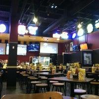 3/10/2012 tarihinde randy m.ziyaretçi tarafından Buffalo Wild Wings'de çekilen fotoğraf