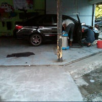 Photo taken at Herbie Car Wash by Shahrul A. on 5/4/2012