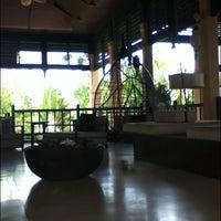 Photo taken at Library @ Asara Villa & Suite Hua Hin by NAttaphong U. on 4/30/2012