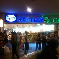 Photo taken at Köfteci Ramiz by Umt on 8/13/2012
