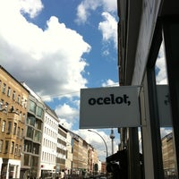 Photo prise au ocelot, not just another bookstore par Robert E. le6/9/2012