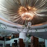 Photo taken at Evergreen Laurel Hotel by Desmond K. on 6/17/2012
