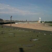 Das Foto wurde bei Flughafen Tempelhof von Nicolas Z. am 5/3/2012 aufgenommen