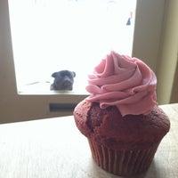 รูปภาพถ่ายที่ Fiore Italian Bakery โดย Kim S. เมื่อ 5/13/2012